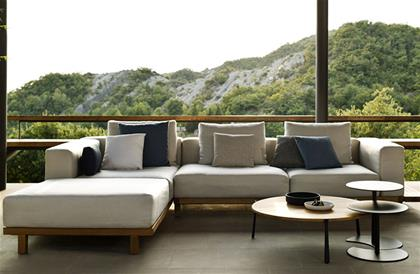 Vis Sofa Collection