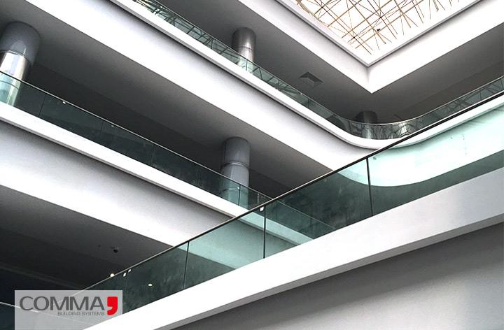 هندریل شیشه ای commaهندریل شیشه ای comma. مجتمع تجاری شهاب کاما سیستم